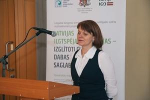 Konferencē prezentāciju sniedz Latvijas Universitātes asociētā profesore Iveta Šteinberga