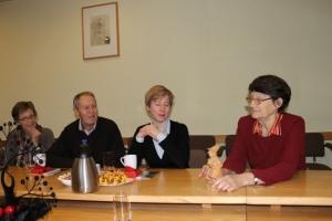 vācu ciemiņi – mākslinieks S. Vogts ar kundzi, Vaijes kultūras darba organizatore T. Fišere